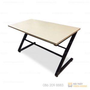Bàn chân sắt chữ z gỗ công nghiệp giá rẻđược làm bằng chất liệu gỗ công nghiệp. chống trầy xước tốt, ẩm mốc, bóng đẹp theo thời gian.