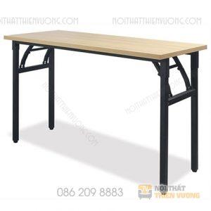 Bàn làm việc chân sắt gấp đen BCS-10 mặt gỗ nhập khẩu cao cấp được làm từ chất liệu sắt phun sơn chắc chắn giúp chống han rỉ rất tốt. Loại bàn này được dùng trong không gian phòng học giúp bạn có thể học tập hiệu quả .