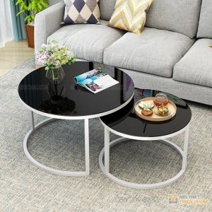 Bàn sofa đôi thu gọn mặt kính, kim loại và phong cách hot nhất, được lựa chọn nhiều, dễ dàng kết hợp với sofa và dễ dàng thu gọn khi cần không gian.Chân bàn được làm từ sắt phủ sơn tĩnh điện chống trầy xước và bền đẹp theo thời gian, mặt bàn làm từ kính dày sang trọng, dễ dàng vệ sinh.