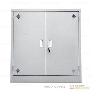 Tủ sắt dáng thấp TVP-S15 được làm từ thép phủ sơn tĩnh điện màu ghi sáng, bền đẹp và an toàn khi sử dụng. Với kiểu dáng thiết kế đơn giản và tinh tế, dòng sản phẩm này có thể sắp xếp phù hợp với mọi thiết kế văn phòng.